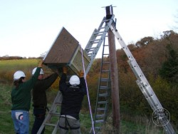 Erecting A Polebox By Hand 07