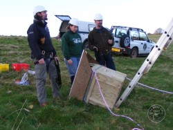 Erecting A Polebox By Hand 06