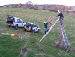 Erecting A Polebox By Hand 09